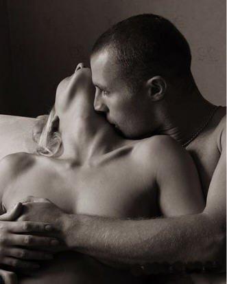 sexo pareja gimiendo al oido