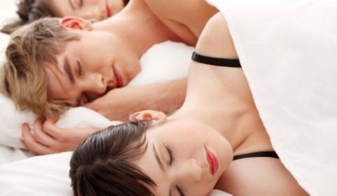 Los mejores consejos para conseguir un trio con tu pareja desde la psicología masculina y femenina