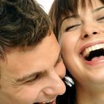 resolver problemas de pareja riendose, sentido del humor